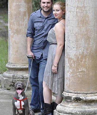 un couple renonce à son mariage pour sauver son chien