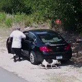 Filmé en train d'abandonner son chien, il donne une excuse inadmissible !