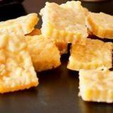 Recette de biscuits pour chien : des brownies au poulet