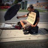 Cette femme récolte de l'argent pour que les sans-abris puissent dormir au chaud avec leurs animaux