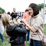 Comment devenir famille d'accueil pour un chien ou chat de refuge ?