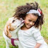 Selon une étude, les enfants qui ont des chiens ont plus d'empathie que ceux qui n'en ont pas