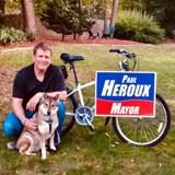 Ce maire emmène son chien, atteint d'un cancer, en road-trip vers son pays natal
