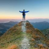 Il escalade le plus haut sommet de Pologne et fait la plus incroyable des rencontres