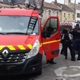 Ils entendent des cris dans un appartement voisin : les pompiers comprennent l'urgence et forcent la porte