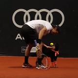 Des chiens ramasseurs de balles au Tournoi de tennis du Brésil !