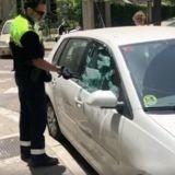 Chien enfermé dans une voiture au soleil : ce qu'explique sa maîtresse choque profondément les policiers !