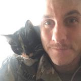 Un soldat entre dans un refuge et prend une décision à laquelle personne ne s'attendait