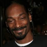 Ému par la vidéo d'un chien abandonné, Snoop Dogg propose de l'adopter