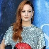 Sophie Turner (Game of Thrones) adopte un adorable chiot et pas de n'importe quelle race !