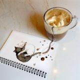 Une artiste trouve l'inspiration dans ses tasses de café et crée d'adorables chats