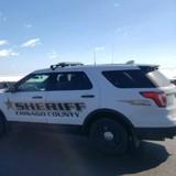 Le policier arrête une voiture, quand il voit ce qu'il y a sur les genoux du conducteur il prend une photo