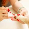 Un Chihuahua fait le buzz (malgré lui) en arborant des faux ongles posés par sa propriétaire