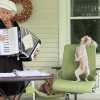 Nathan, le chien nu danseur qui se déhanche sur de l'accordéon (Vidéo du jour)