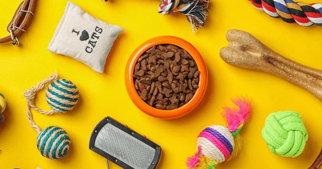 jouets, croquettes pour chiens et chats