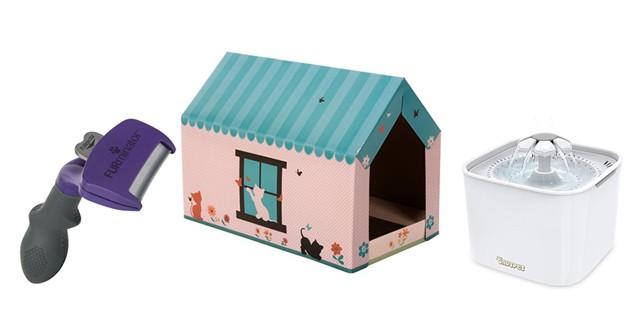 Peigne, niche et fontaine à eau pour chat