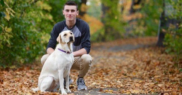 un ado et son chien