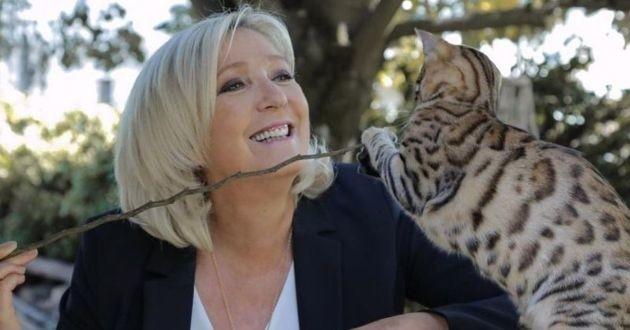 Marine Le Pen avec un Bengal