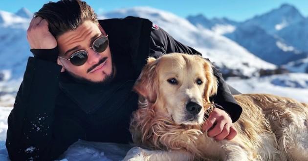 Rayane Bensetti prend la pose avec son chien Mambo sur Instagram !