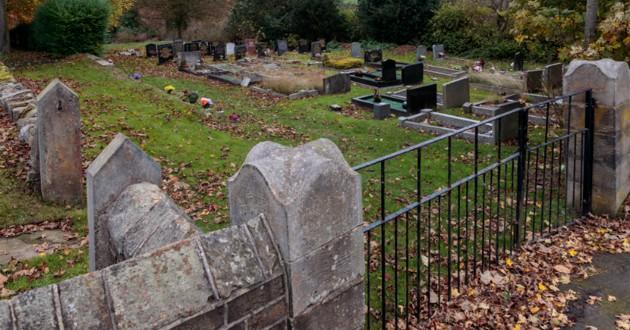 cimetière en automne