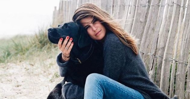 Karine Ferri et sa chienne Dolmen