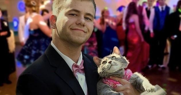 adolescent et son chat au bal