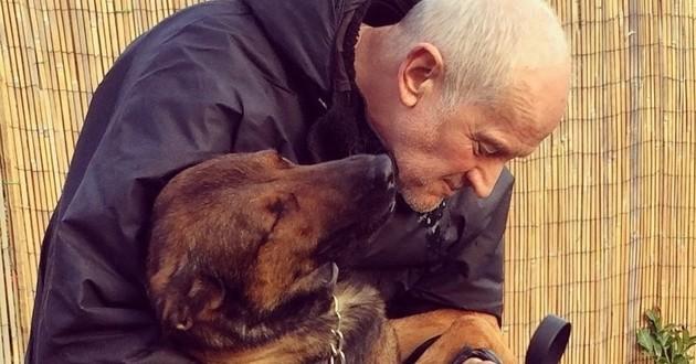 chien de police avec son maître