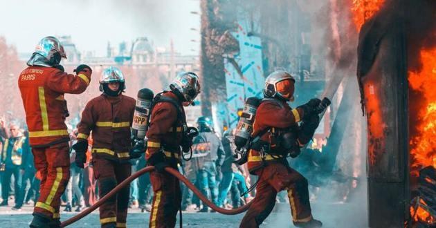 pompiers et feu