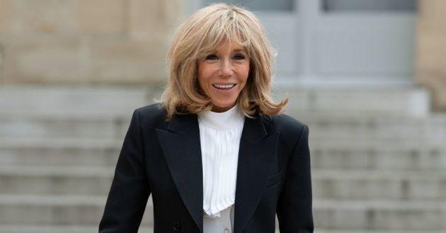 Brigitte Macron a emmené son chien voir l'exposition du Chat de Philippe Geluck