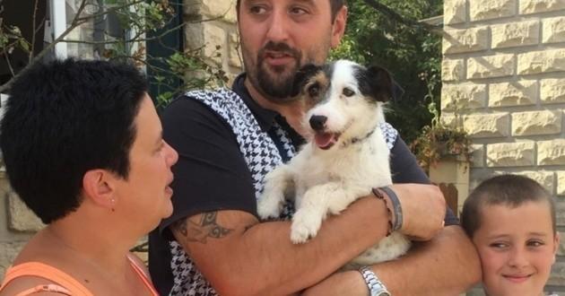 Un chien abandonné dans une poubelle enfin adopté