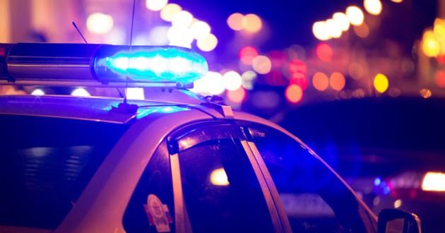 voiture de police de nuit