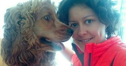 Une chienne médiatrice vient apporter de la joie aux patients atteints de la maladie d'Alzheimer dans un EHPAD