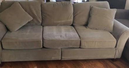 Annonce pour vendre un canapé d'occasion : parviendrez-vous à repérer l'erreur sur la photo ?