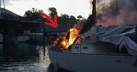 Le pompier s'approche d'un bateau en feu, quand il regarde plus attentivement il se met à paniquer