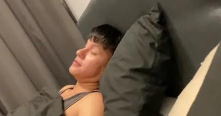 Ivre, il se réveille le lendemain chez lui : ce qu'il voit au milieu du salon lui arrache un cri !