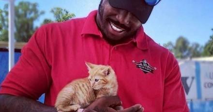 Ce joueur de football américain a permis l'adoption de 181 animaux