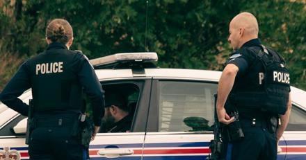 Quelques minutes avant que l'ouragan ne s'abatte sur la ville, la police publie un appel à témoins très étrange