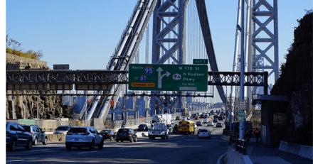 Une automobiliste entend des cris : elle se dirige vers le pont et a des frissons en voyant la forme devant elle