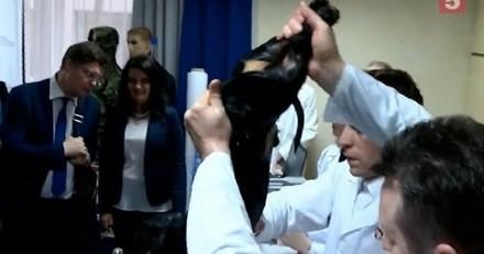 Science : des chercheurs font respirer un chien sous l'eau (Vidéo)