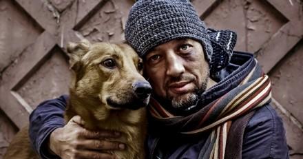 Comment aider les chiens de SDF quand il fait froid ?