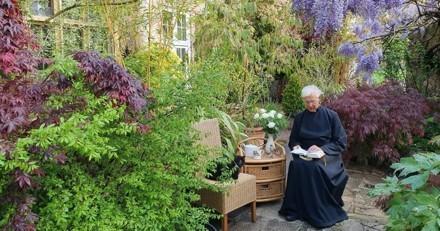 Messe très spéciale : le prêtre fait son sermon et l'impensable se produit en direct !