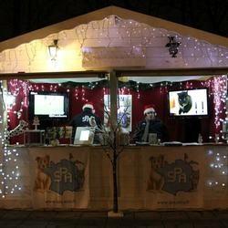 La SPA installe un chalet sur les Champs-Elysées pendant le marché de Noël