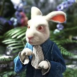 Alice au pays des merveilles le film d couvrez le lapin blanc loisirs - Le lapin d alice au pays des merveilles ...