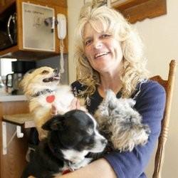 une femme consacre sa vie à la recherche d'animaux de compagnie disparus