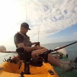 chien sauvetage kayak pecheur usa