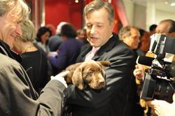 Quel est ce chiot en compagnie de Marc Lelandais, président de Lancel ?