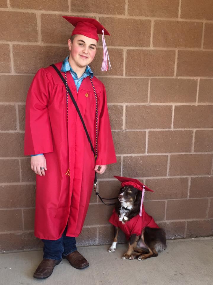 Tyler Sinatra chien diplômé